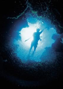 Dive01-hole